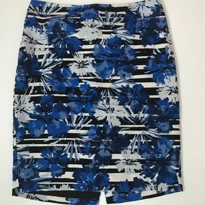 Ann Taylor Blue Floral Pencil Skirt size 2P